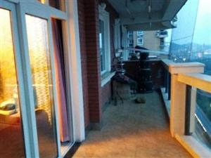 西郊滨江国际3室1厅138平米豪华装修押一付三