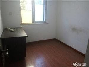 新城大道两室一厅一厨一位停车方便可合租