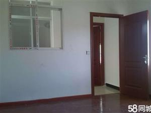 陇川天城商业街3室1厅1卫60平米