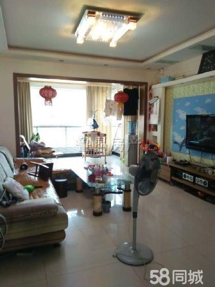 凯丽滨江3室2厅120平米黄金地段交通方便居家首选