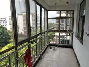 桂花园三楼三室两厅简装修带空调