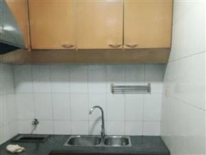 急售!警校附近3室两厅好房源,全新装修。不需修整,即可入住!