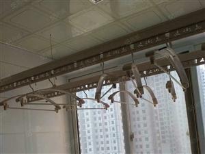 富翔庄园3室2厅空调两台热水器沙发床水电煤暖1100元