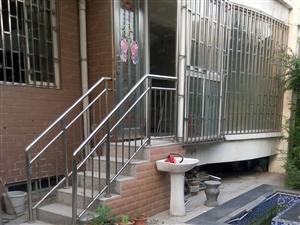 私家小院满五唯一带院复式一二楼双气地铁口