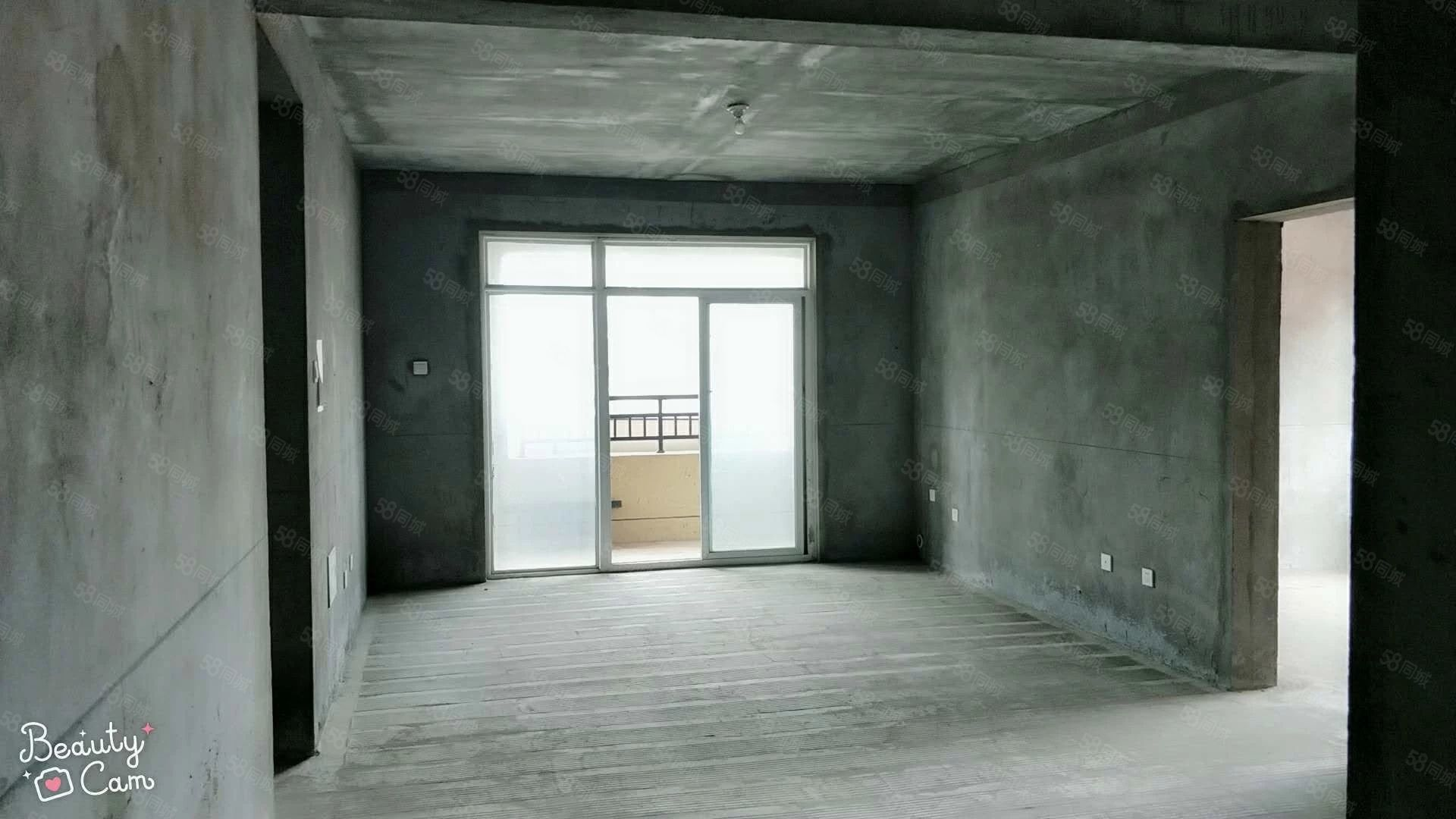 急急急,绿城兰园洋房东边户一手房,四室两厅双卫,户型超好。