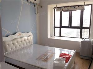万达华城,欧式装修,新装修未入住,电梯高层,月租金900