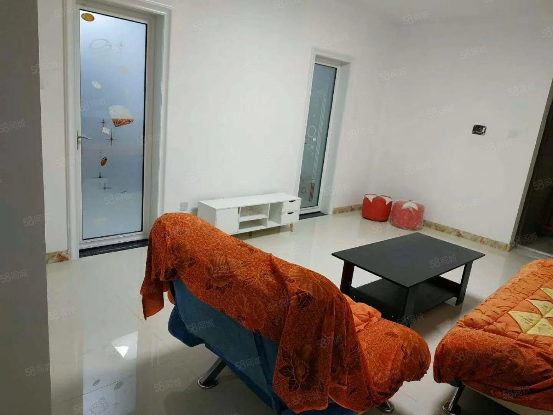 金域蓝湾一室一厅中等装修好房出租,带家具可洗澡可做饭。