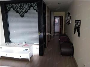 体育中心对面、君裕东湖、独门独户、单身公寓出租、带阳台!