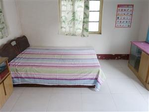 万达南清泉小区南头平房1室1卫太阳能宽带家具拎包住