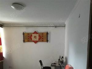 百益花苑3楼主卧出租洗衣机太阳能床等简单家具家电