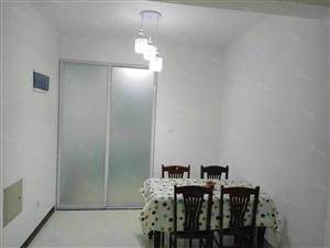 明佳花园精装三楼142平三室两厅两卫带地下室年租1.9万
