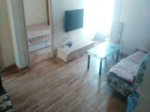 短租长租均可盈秀花园温馨2室1厅家具家电齐全暖气已开通