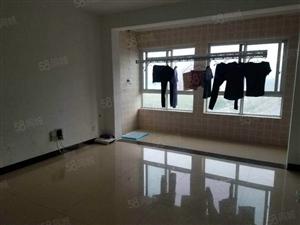 富园景都新房子三室2厅2卫简单装修76万
