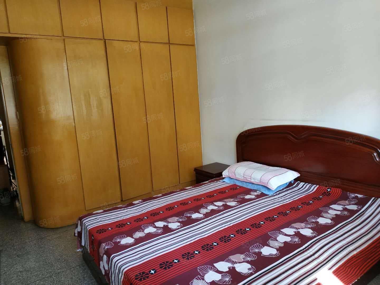 和平路市委宿舍紧邻一中五中和平广场家具都有停车方便
