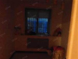 包物业700小公寓装修家具空调热水器