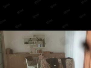 出售金泰花园7/11层三室两厅精装低税储藏室