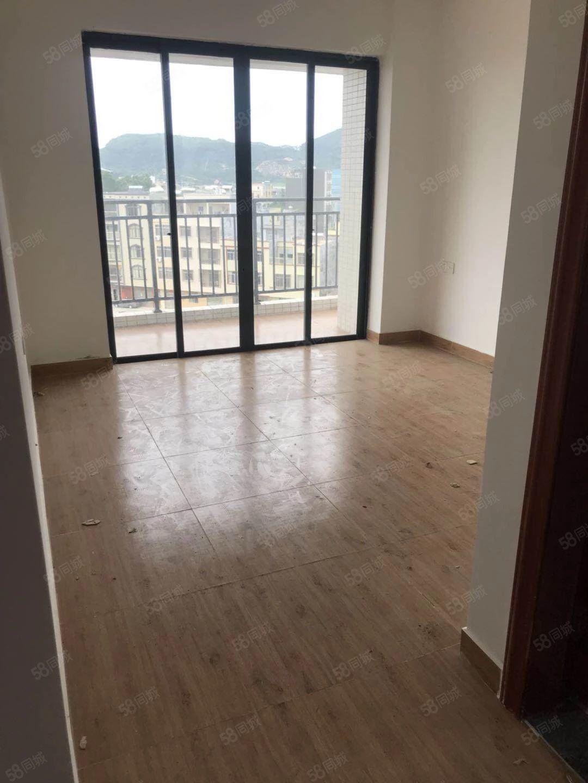 东平盛和珍珠湾公寓房,精装修,未入过,落名后配齐家私家电