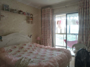 润园小区温馨舒适两居室拎包入住