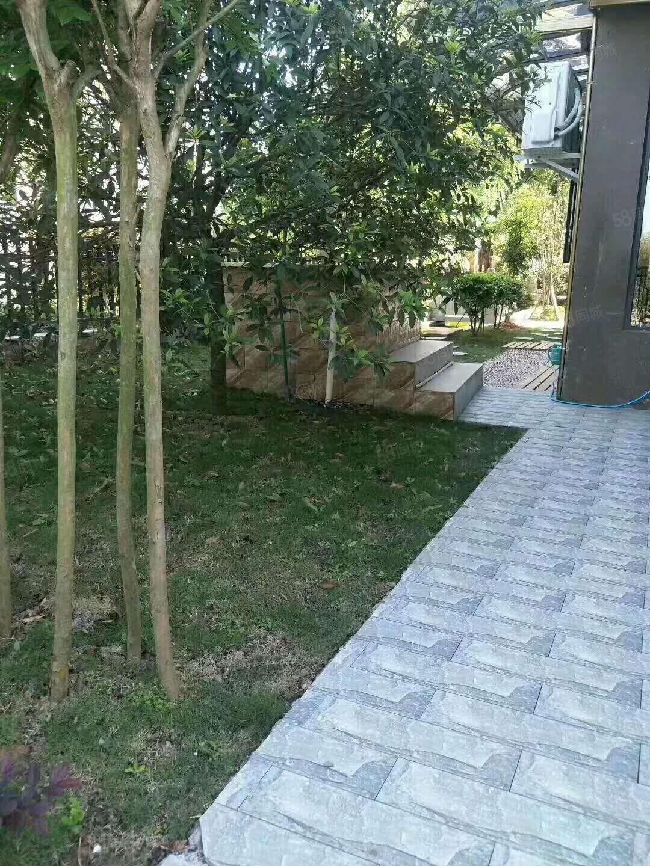 碧云兰溪两连排门面,可改小2室带花园