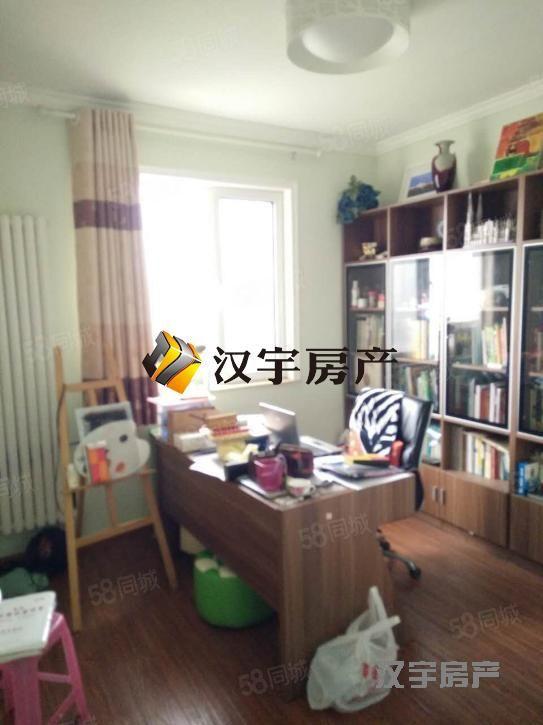 锦绣城两室一厅精装修拎包即住干净无异味看房随时