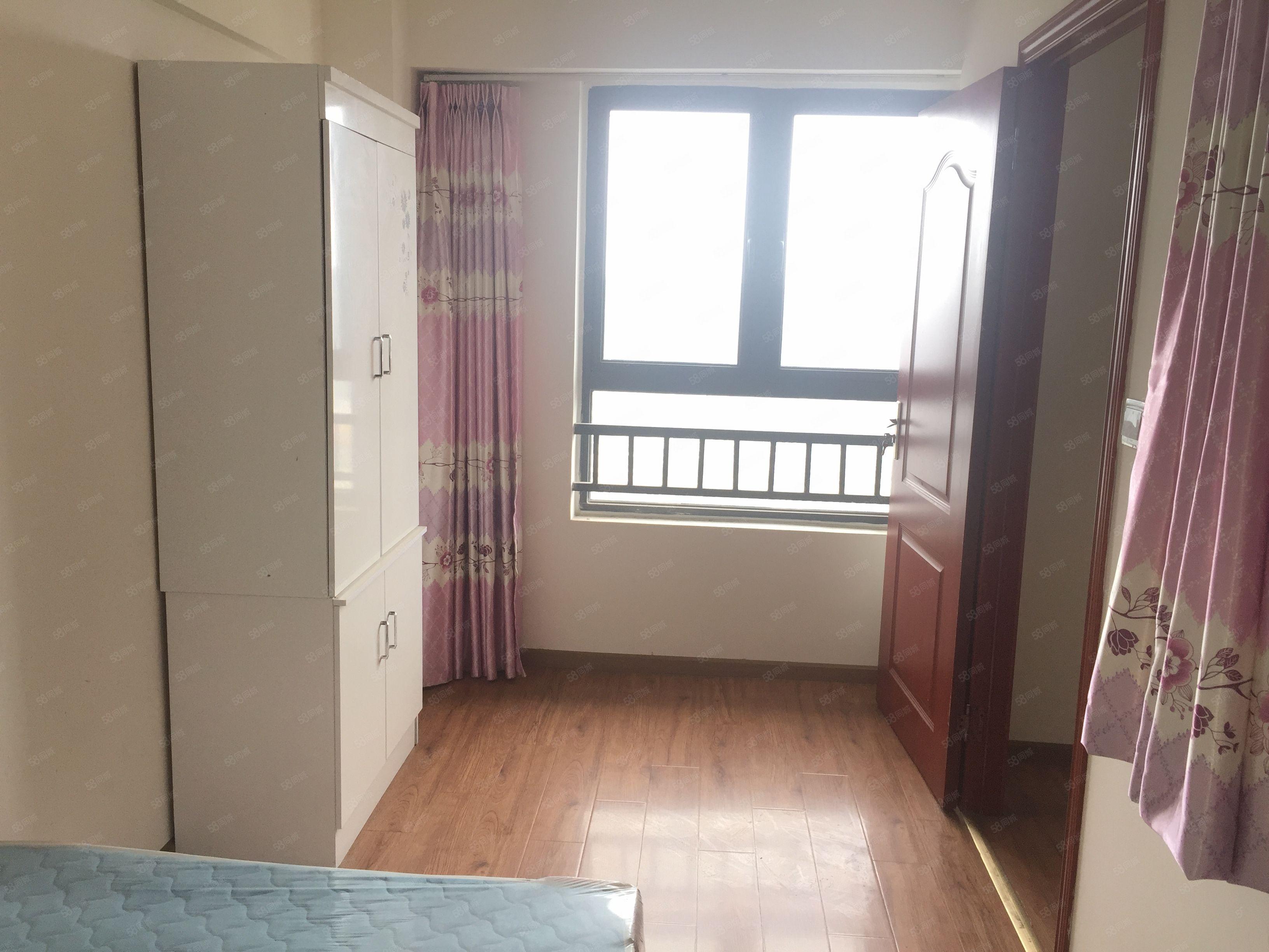 龙城国际标准套3家具家电齐全包入住步步高楼上生活便利