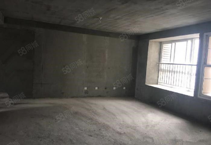 世纪大道三室特价4000/每平陈阳寨转盘旁三室毛坯新房好户型