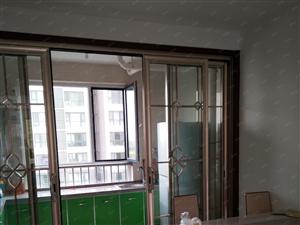 紧挨新一中西王兰亭电梯房干净集体供暖设施齐全月租1600元