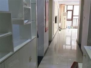 嵩山南路,亚星盛世悦都,精装3室,家具家电齐全,欢迎来电。