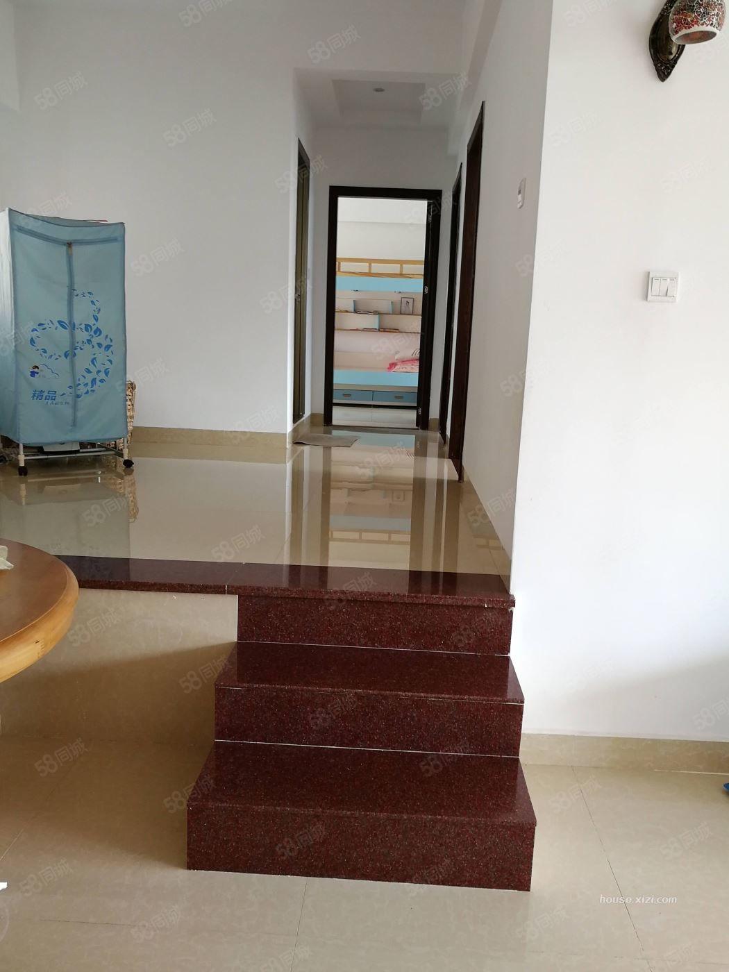 安静小区,出租,东湖花园4区2300元3室2厅2卫精装