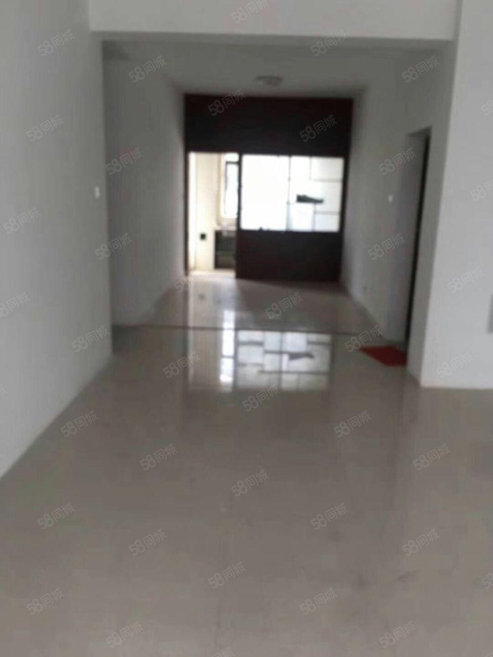 太和家园1600一个月3室精装修空房