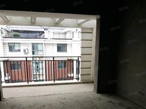 领秀之江毛坯房、面积175平方米、五室二厅三卫、售价55万元