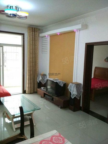 Y和谐温馨家园楼梯两室两厅租900/月
