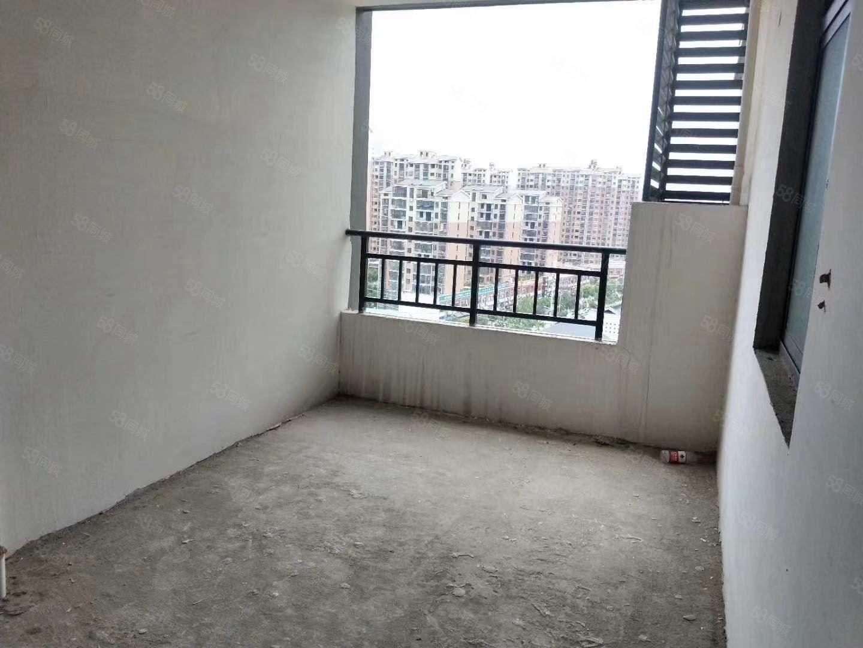 宏洋凤凰城电梯小高层11楼八中小三房前面无遮挡