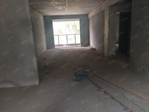 水岸星城二楼步梯毛坯房,采光通风稀有楼梯房急售!