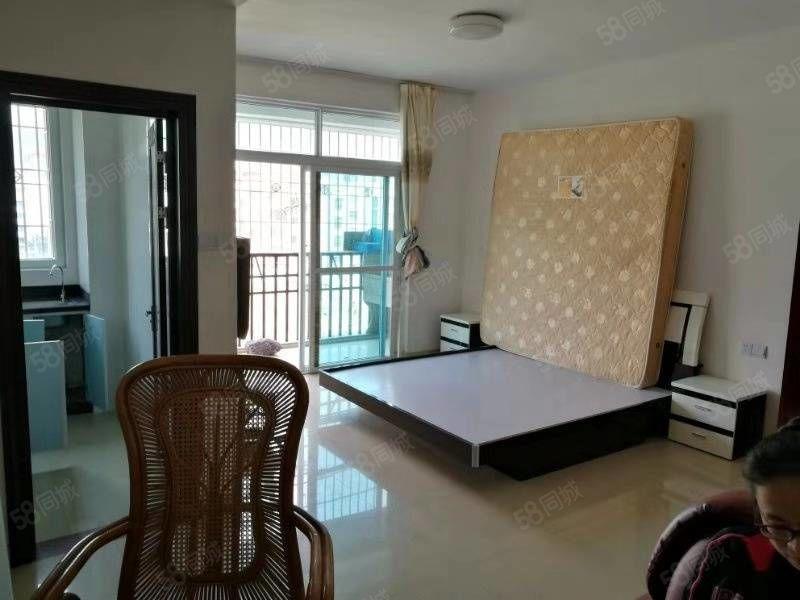 中富大夏独门独户单身公寓出租,楼梯中层,设备齐全