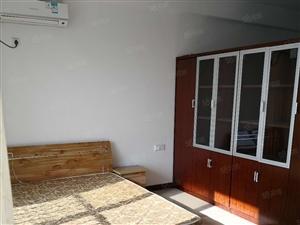 诚售锦绣苑58平标准一室,纯朝南有房本,采光超好,实拍有钥匙