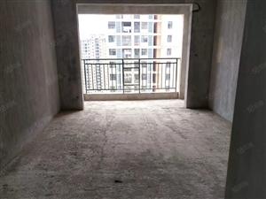 急售,凤凰香域3房2厅地段好,居家舒适,繁华地段周边设施齐全