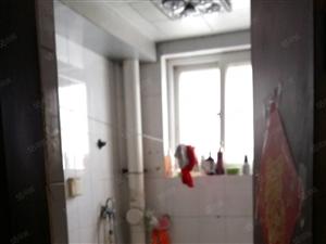 鲁班公寓一楼精装带家具家电拎包入住,出租