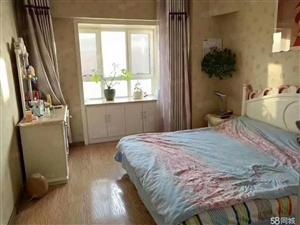 昆仑东街映像南湖交通便利价格适中此房可居家可办公