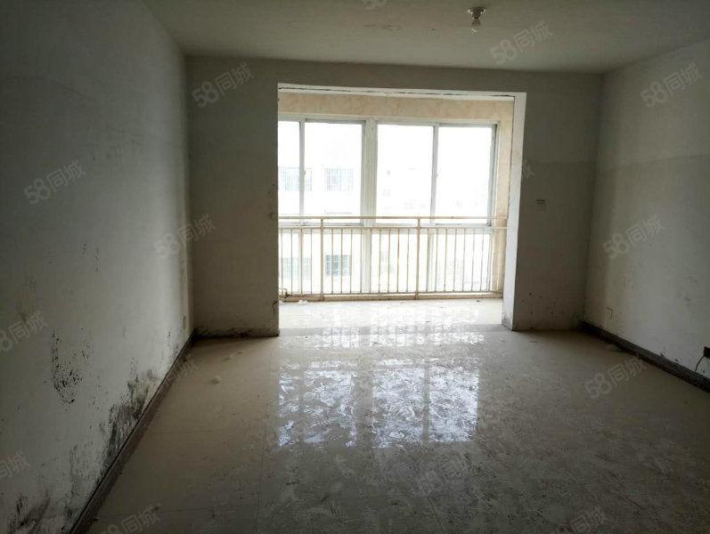 杨柳客厅通阳台大两室106m免税送储
