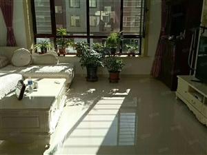 镇赉百合房产,四中附近二楼濒临奥体公园,房屋格局好,装修豪华