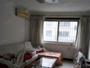 金海苑小区35万出售带下房。