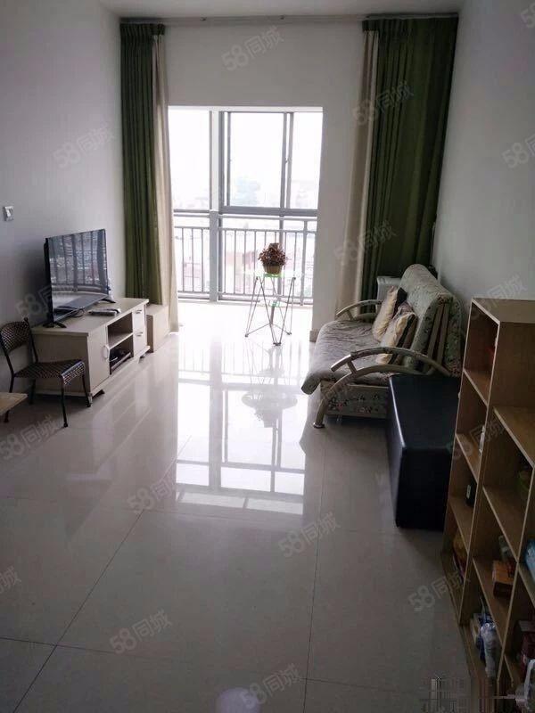 靓房抢租,极中心1550元2室1厅1卫豪华装修