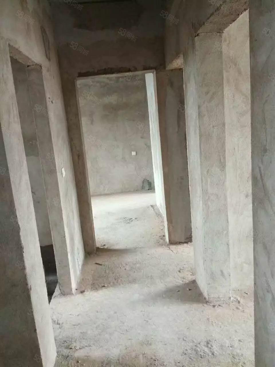 祁东开富电梯6层4室有证可按揭毛胚房售38万
