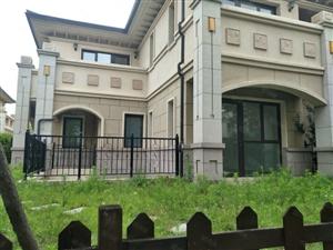 龙湖四拼独院可贷款260万东北院有钥匙采光好带车位