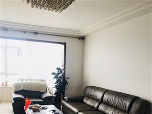 福乾高层9楼3室一厅精装修