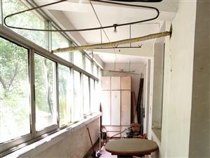 东塔路2楼63万当毛坯卖,地段楼层可遇不可求,实际面积150
