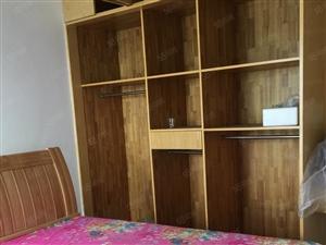 彩虹城三室二厅精装没有住过的1800/月家电家具全新