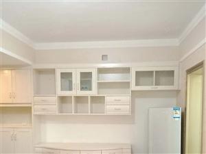 新市政府旁儒林商都精装一室一厅拎包入住看房有钥匙物业绿化好