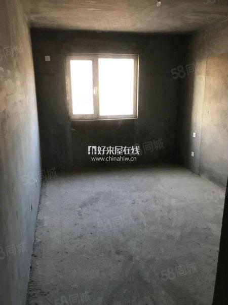 天伦锦城实验学.区清水房市府广场东电梯房
